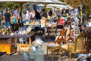 Shop Flea Markets in Los Angeles